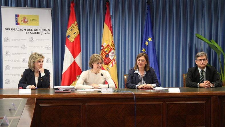 Ministerio y Junta firman un convenio que destina 200 millones para la modernización de regadíos