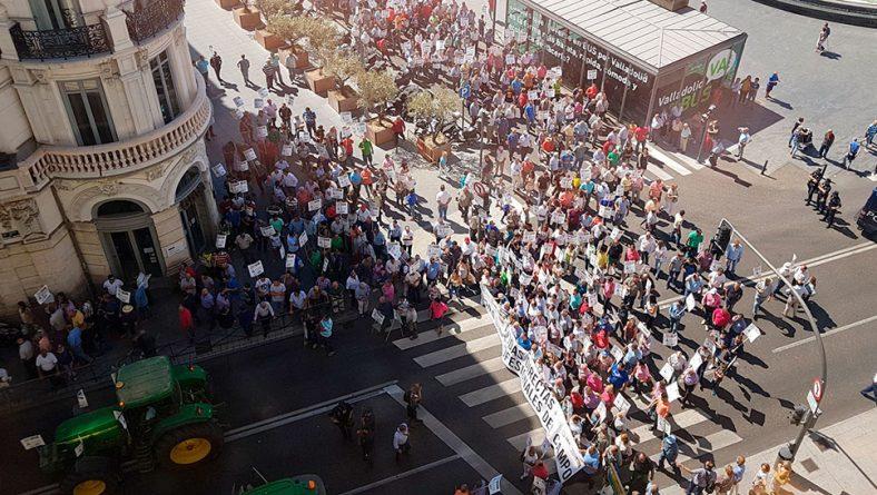 """Los agricultores salen a la calle para pedir """"apoyo real"""" de la Administración"""