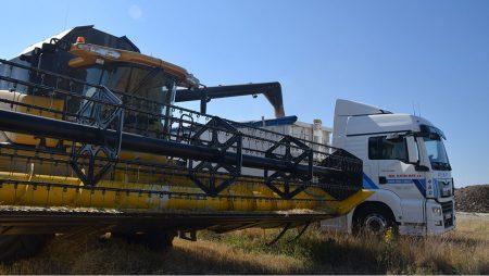La cosecha, buena y con producción muy irregular, acumula retraso y bajos precios del cereal en Castilla y León