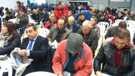 300 regantes demuestran en Villamarciel que el regadío está muy vivo