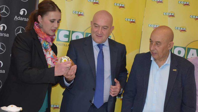 """Carnero: """"Exigiremos al Ministerio que defienda ante Europa un etiquetado claro que identifique el origen de la miel"""""""