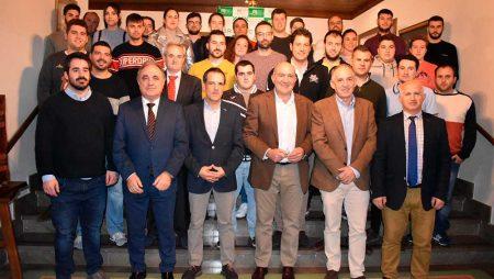 """Carnero reitera el """"papel fundamental"""" de la incorporación de jóvenes al sector"""