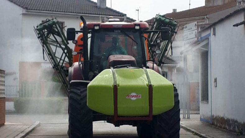 Asaja Salamanca ofrece todos sus tractores para desinfectar los pueblos de coronavirus
