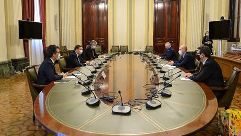 Planas se reúne con representantes de Provacuno para analizar la situación del sector del vacuno